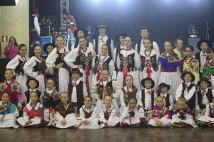 Grupo Folclórico Polonês Wiosna rece apoio da companhia campolarguense de energia cocel